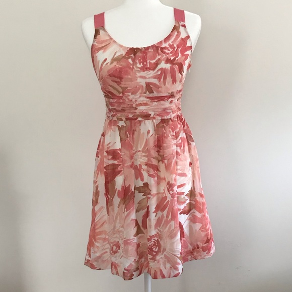 LOFT Dresses & Skirts - Pink and white floral Loft dress
